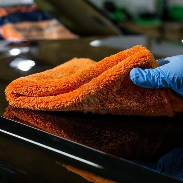 EwoCar mikrofiber håndklæder på bil